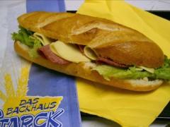1053-Sandwich-Salami-Kaese